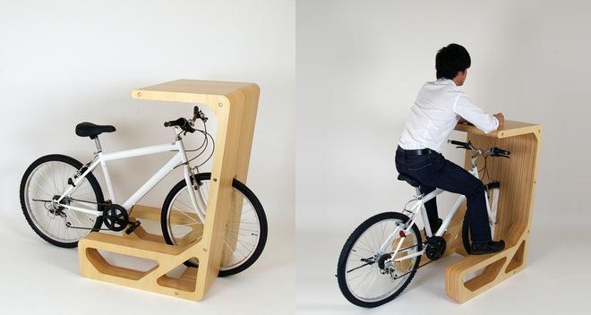 meble sklepowe - drewniany stojak na rower